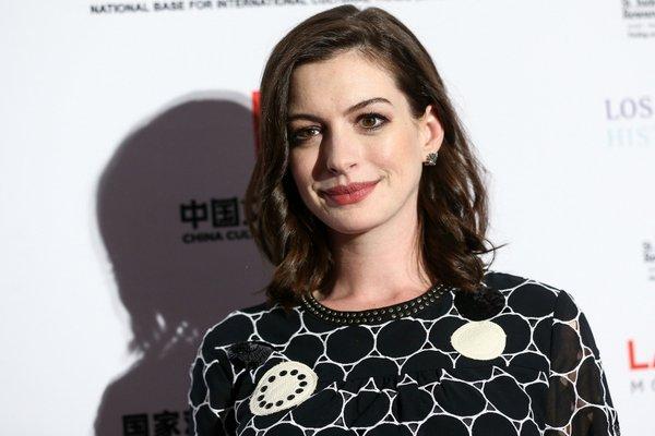 Anne Hathaway - 3