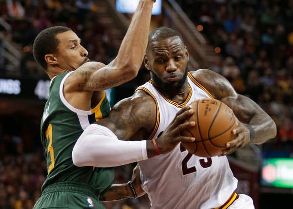 LeBron James proti Utah Jazz