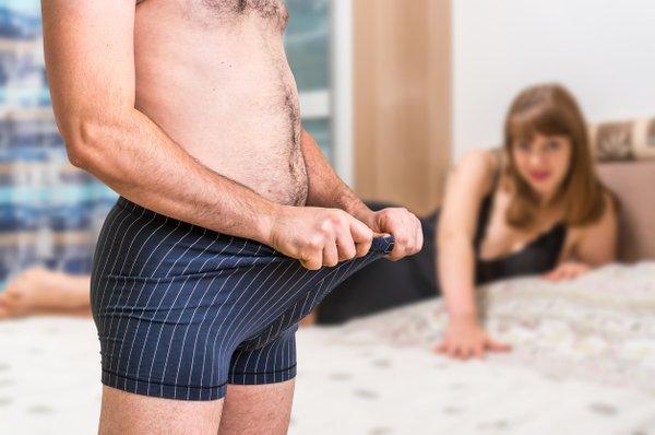 moški s težavami pri erekciji