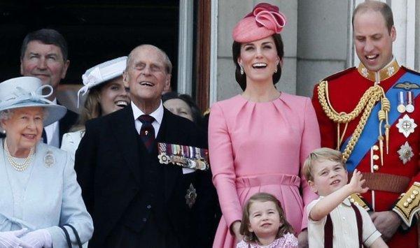 Kraljeva družina-naslovna