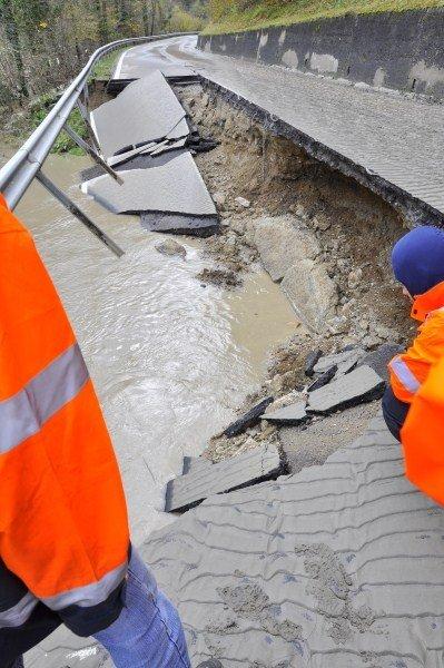 Posledice poplav na cesti Maribor-Ožbalt - 2