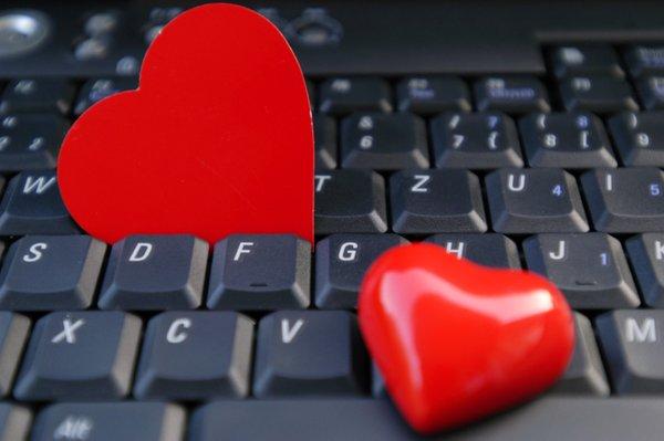 ljubezen preko interneta