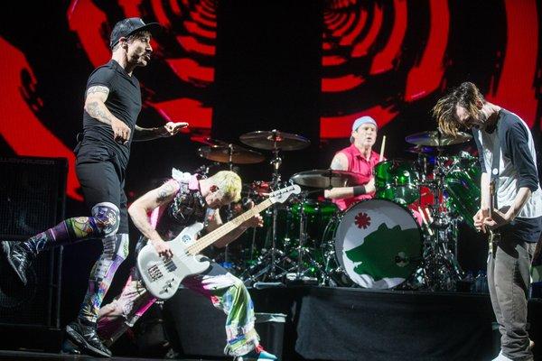 Red Hot Chilli Peppers v Stadthalle (Dunaj) - 19