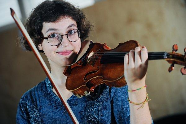 Ana Sešek, mladi up, violina