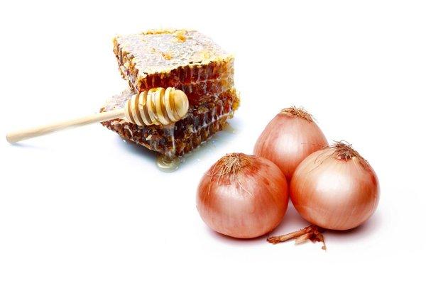 čebula in med