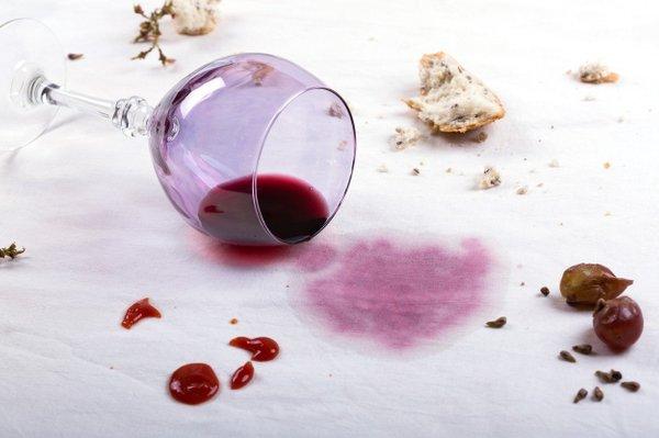 madeži rdečega vina