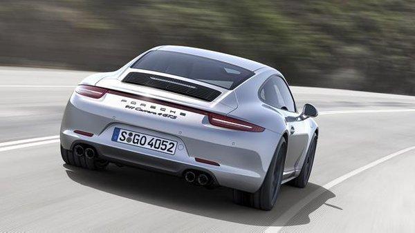 porsche 911 GTS - 3