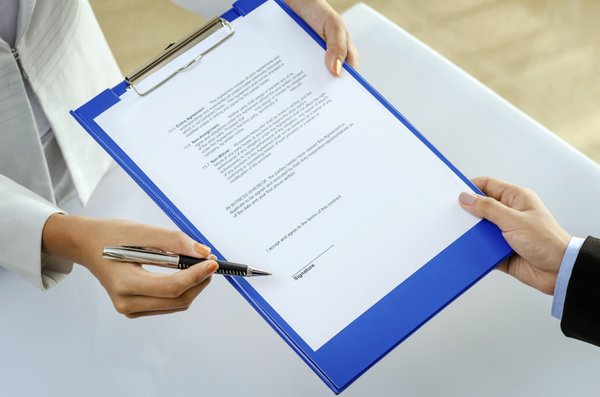 Podpisovanje papirjev