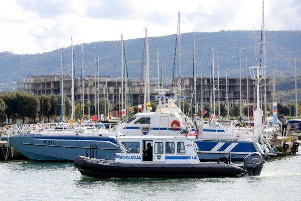 Dva nova policijska čolna - 8