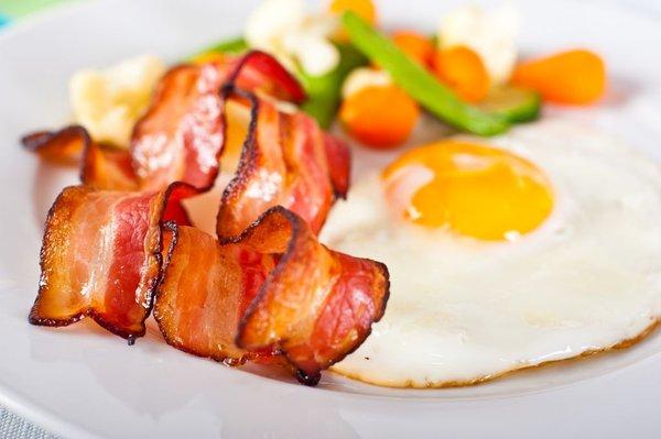 slanina in jajca