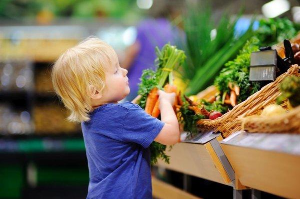 Deček z zelenjavo