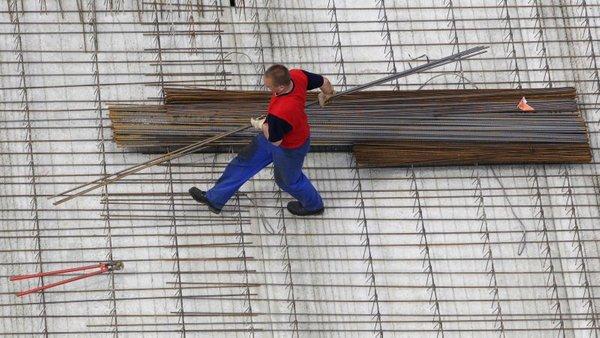 Delavec na gradbišču