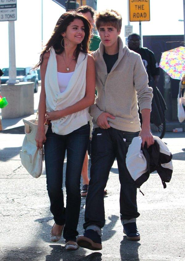 24ur.com - Selena Gomez bo voditeljica MTV EMA nagrad Justin Bieber Selena Gomez 2009