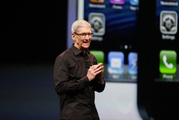 Tim Cook ob predstavitvi iPhonea 5