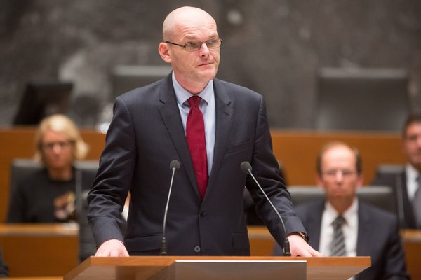 Goran Klemenčič ob zaprisegi za ministra - 1