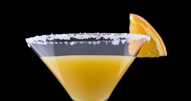 Koktajl iz sveže iztisnjenih limon in pomaranč