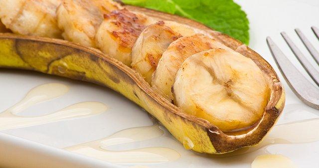 Banane v čolničku