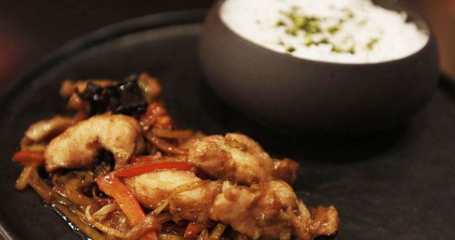 Sladko-kisli krokodilji chop suey