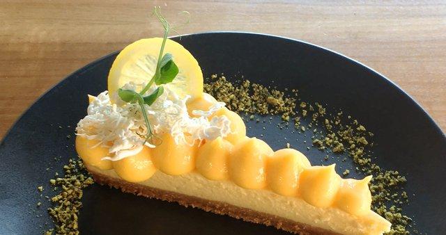 Cheesecake z limonino kremo