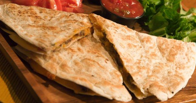Quesadillas z govedino in sirom