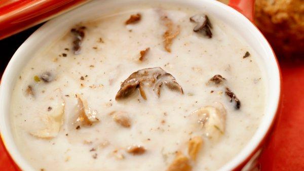 Gobova juha s krompirjem in smetano