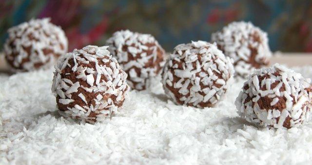 Energijske kroglice s kokosom