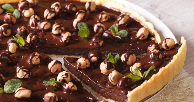 Čokoladna pita z lešniki