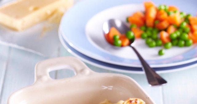 Drobnjakove palačinke s šunko in sirnim namazom