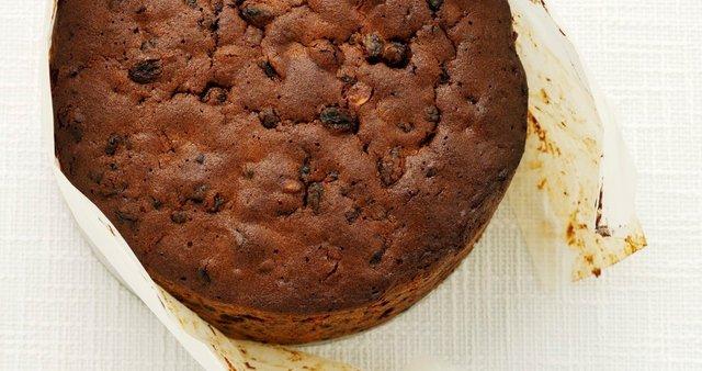 Božični sadni kolač s čokolado