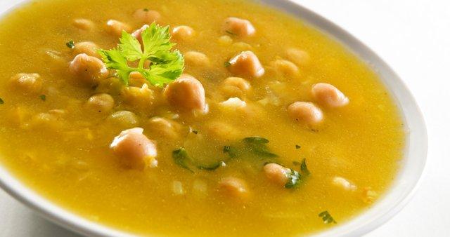 juha, čičerika, Tunizija, orientalska kumina, koriander, limona, čičerikina, jušni krožnik