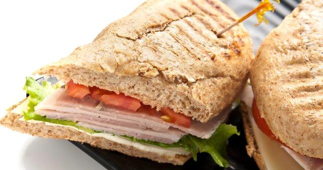 Puranji sendvič z zelenjavo