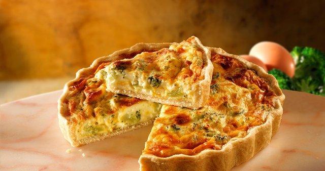 Sirova pita z brokolijem