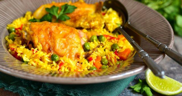 Riž z zelenjavo in piščancem