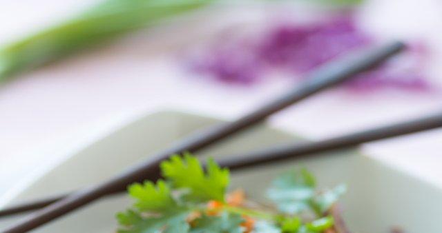 Azijska solata s soba rezanci