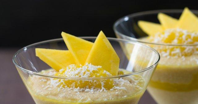 Zdrobov puding z mangom
