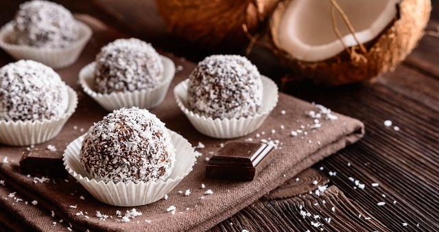 Čokoladni trufli s kokosom