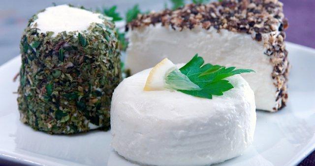 Gurmanski sir z zelišči