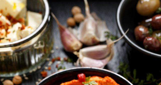 Humus s pečeno papriko