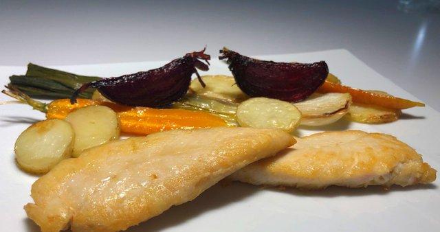 Piščančji fileji s pečeno zelenjavo