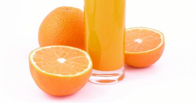 Naravni pomarančni sok