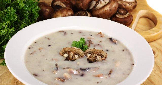 Gobova juha s smetano