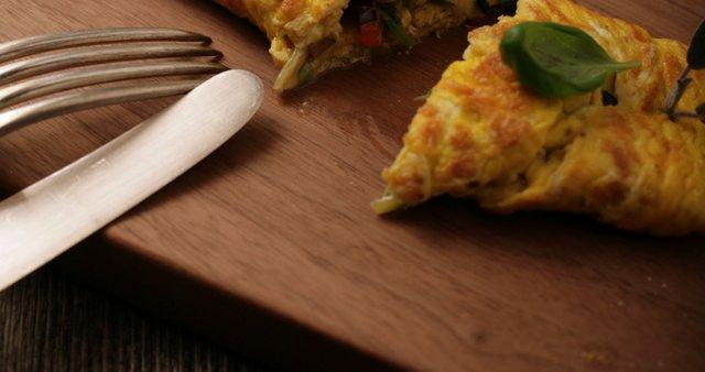 Popolna jajčna omleta z zelenjavo