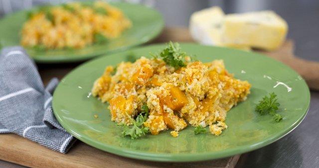 Cvetačna rižotka z bučo in gorgonzolo