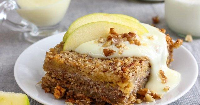 Jabolčno pecivo brez jajc in moke