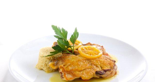 Piščanec z limonino omako