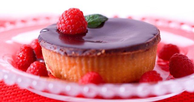 Čokoladne tortice z malinami