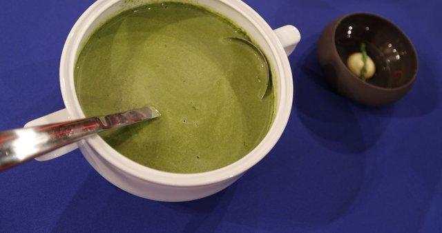 Zelena juha s pastinakovim pirejem