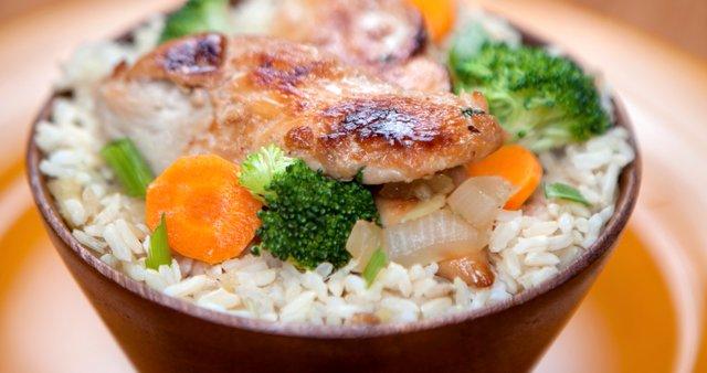 Pečen riž s piščancem