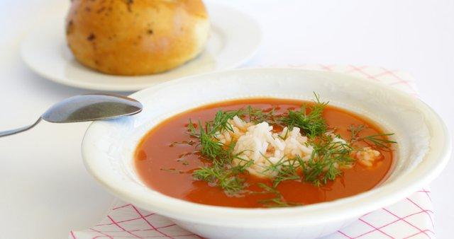 Paradižnikova juha z rižem