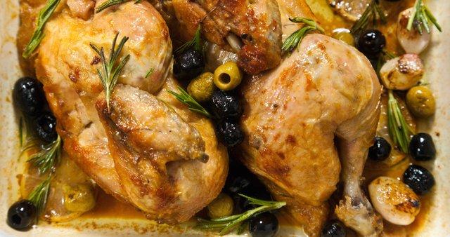 Pečen piščanec po mediteransko